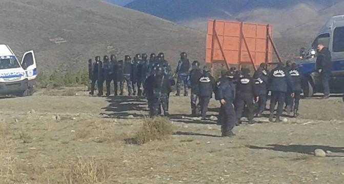 Sgombero e arresti in comunità Mapuche in Patagonia – video